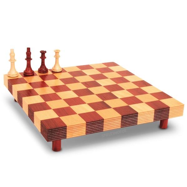 Schachset mit massivem Schachklotz auf Standfüßen aus Padouk/Buche - 61/35 mm