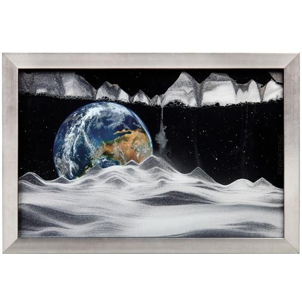 Sandbild Earth im drehbaren silber-schwarzen Wandrahmen aus Holz