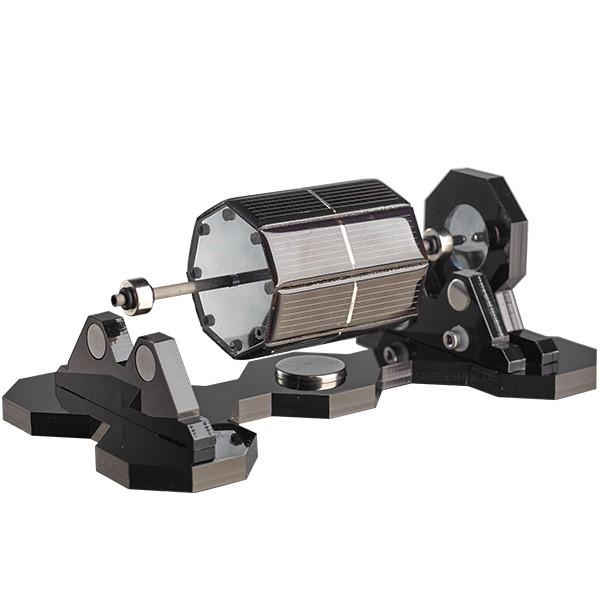 Mendocino-Motor Xs-8 in Silber mit schwarzer Acryl-Basis